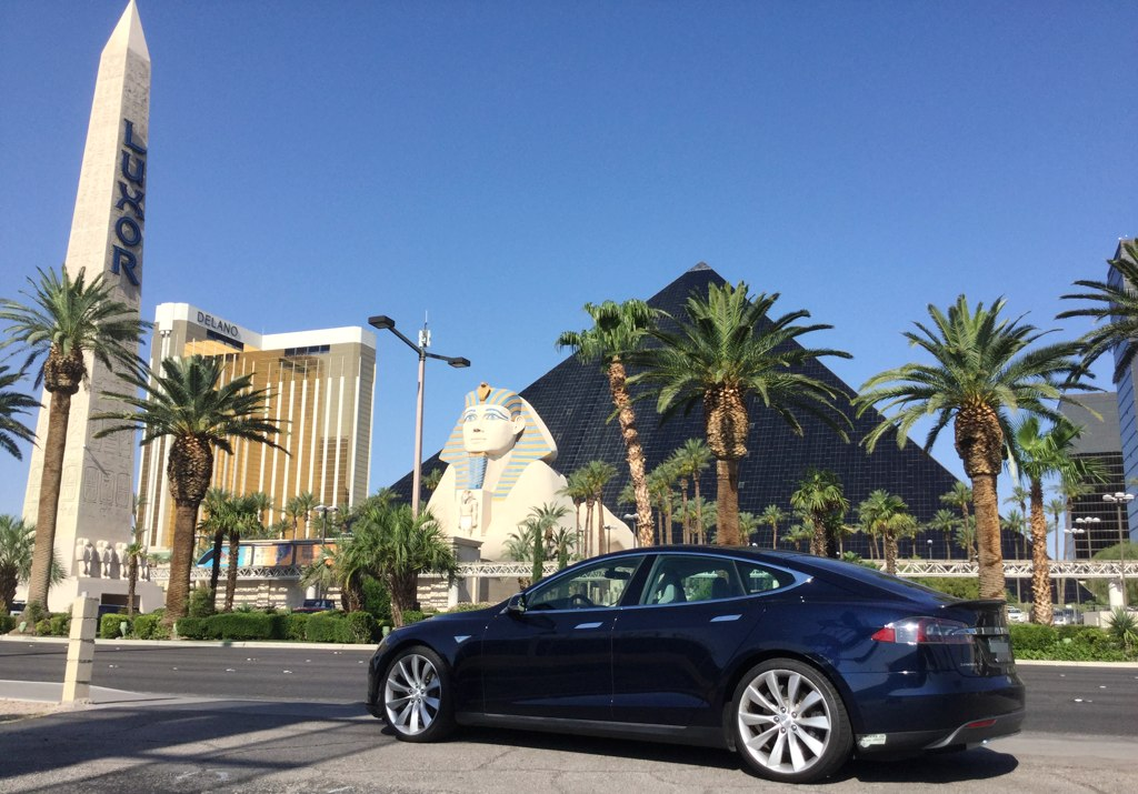 Tesla Model S - Las Vegas Road Trip